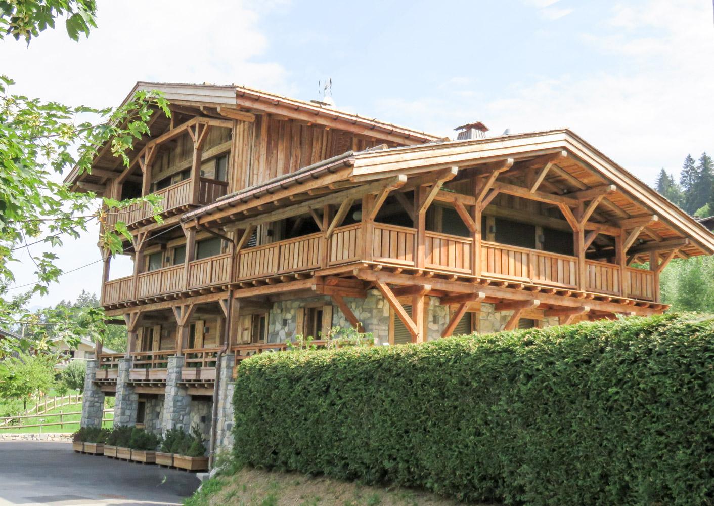 Charpente bois chalet obtenez des id es de - Architecture du bois ...