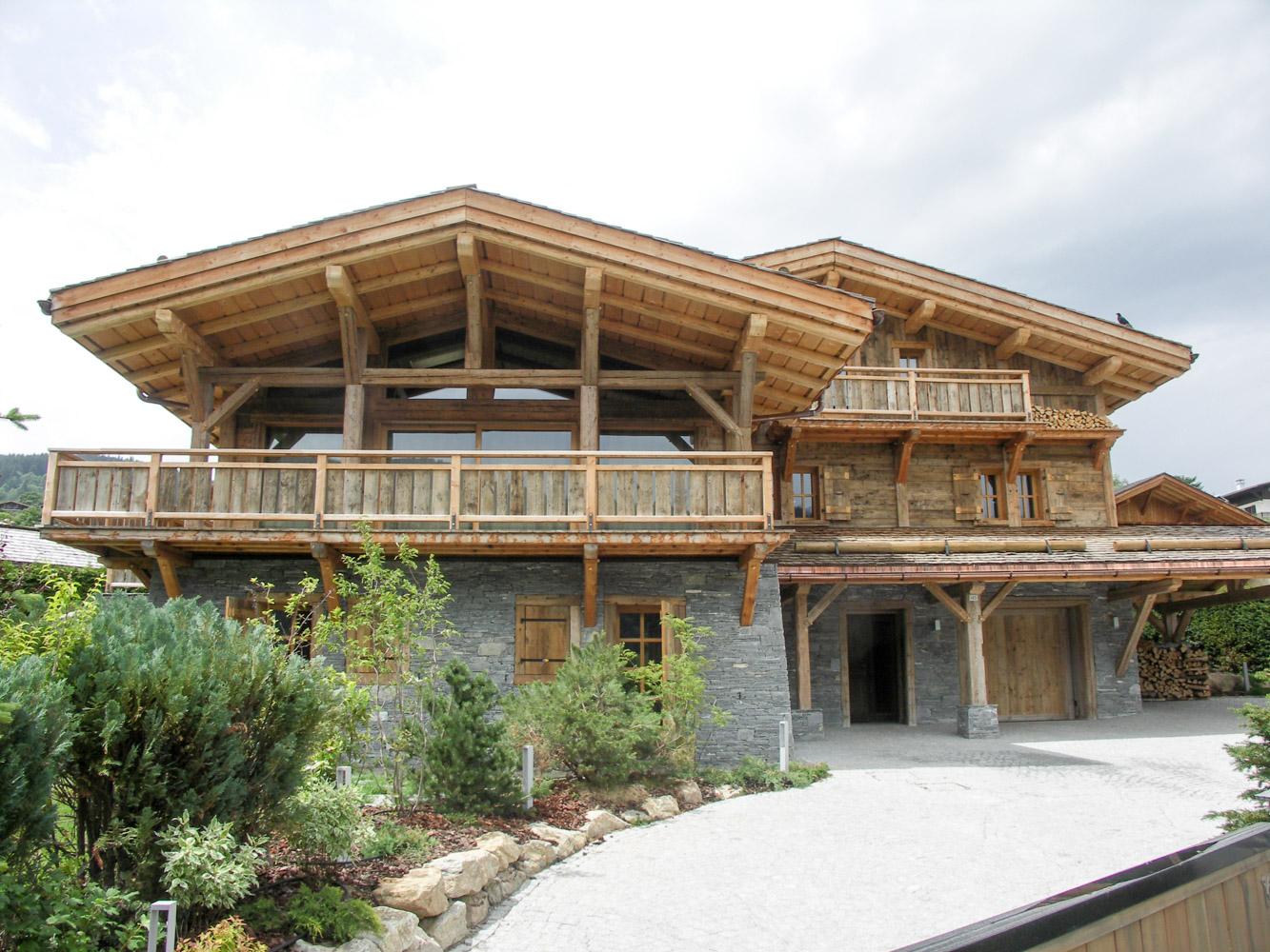 Charpente bottollier cordon haute savoie 74 charpente for Constructeur de chalet bois